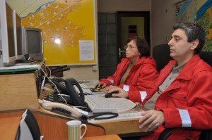 На пулта Бечева и д-р Митов приемат сигнали